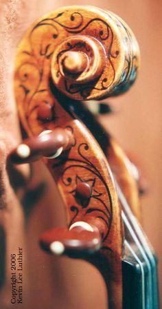"Scroll of Stradivarius 1709 ""The Greffuhle"""