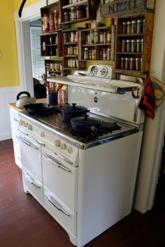 We had a stove just like this when I was a kid.
