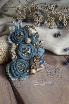 """Купить Брошь """"Букет с поля"""" - темно-синий, синие цветы, синяя брошь"""