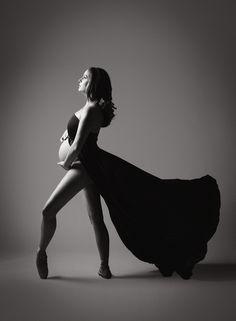 Ballet Maternity Black and White Kate Luber Photography www.kateluber.com