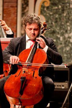 Nuova Orchestra Scarlatti, Tango. Direttore Filippo Arlìa. Bandoneon Cesare Chiacchiaretta. Foto di Klaus Bunker