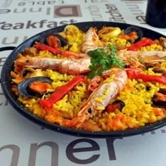 """As far as I know """"Paella"""" is a main dish , not Tapas. I made it myself several times, always as a main dish. Cook easily this famous Spanish Tapas dish with the authentic Spanish paella recipe from Valencia (eastern Spain) Tapas Recipes, Mexican Food Recipes, New Recipes, Cooking Recipes, Ethnic Recipes, Crab Recipes, Amazing Recipes, Spanish Cuisine, Spanish Dishes"""