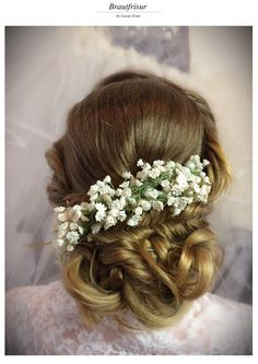 Brautfirsur verspielt Braut Make-up, Crown, Fashion, Hairdo Wedding, Moda, Corona, Fashion Styles, Fashion Illustrations, Crowns