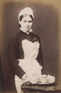 Victorian Maid www. Old Photographs, Old Photos, Victorian Maid, Hedda Gabler, Staff Uniforms, Aprons Vintage, Costume Design, Costumes, Ghosts