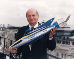 Gerry Anderson Born: April 1929 - Died: December Known for Stingray, Thunderbirds, Joe 90 and many more. Joe 90, Thunderbirds Are Go, Great Tv Shows, Comic Covers, Film, Childhood Memories, Science Fiction, Supermodels, Super Cars