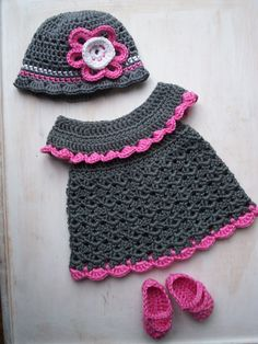 Ravelry: Project Gallery for Baby Pinafore with Ruffles pattern by Maxine Gonser. I want to make this, maybe in a light blue and sky blue color ^_^