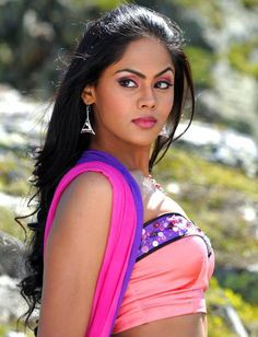 Kannada actress beauty Karthika Nair - Indian film news and pictures Indian Tv Actress, Indian Actresses, Beautiful Girl Image, Beautiful Women, Bollywood Hairstyles, Desi Masala, Indian Heritage, Beauty Full, Girls Image