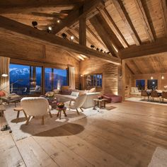 Bramble Ski provide the most stunning luxury ski chalets in resorts across Austria, France and Switzerland. Chalet Design, Chalet Style, Ski Chalet, Egyptian Home Decor, House Outside Design, Chalet Interior, Weekend House, Barn House Plans, Log Cabin Homes