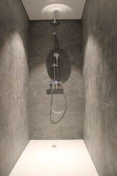 badkamer 3 de greefshoeve Toilet, Bathtub, Bathroom, Standing Bath, Washroom, Flush Toilet, Bathtubs, Bath Tube, Full Bath