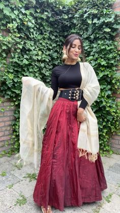 Dress Indian Style, Indian Fashion Dresses, Indian Designer Outfits, Diwali Dresses, Diwali Outfits, Long Skirt Fashion, Long Skirt Outfits, Dressy Outfits, Stylish Dress Designs