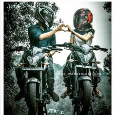 Super bikes for super people Couple Motocross, Motocross Love, Bike Couple, Bike Photography, Couple Photography Poses, Biker Love, Biker Girl, Pulsar 200, Motorcycle Couple Pictures