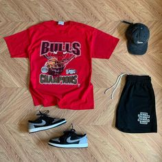 """TMC on Instagram: """"What y'all rocking today #outfitgrid @outfitgrid ▪️#VintageBullsTee ▪️#EricEmanuel #Shorts ▪️#SupremeCap ▪️#Jordan1LowShadow"""""""