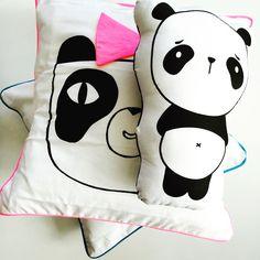 s w e e t n e s s  #panda #monochromekids #cushion #pillows #softtoys #knuffels #monochromebaby #babygift #babykado #kraamcadeau #blackandwhite #neonpink #bow #stuffedpanda #monochromestyling #kidsdeco