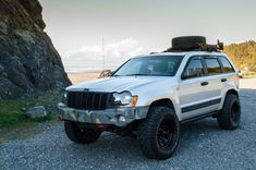 2006 lifted Jeep Grand Cherokee in Oregon