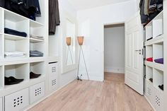 IKEA hackers is the site for hacks and mods on all things IKEA. Browse thousands of ideas to transform your IKEA furniture to fit your home and life. Master Bedroom Closet, Home Bedroom, Walk In Closet Ikea, Open Closets, Dream Closets, Closet Space, Dressing Ikea, Dressing Rooms, Inspiration Ikea