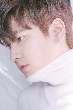 iKON charms in ' magazine! Yg Ikon, Chanwoo Ikon, Kim Hanbin, Ikon Kpop, Bobby, Ikon Leader, Ikon Songs, Vogue Photoshoot, Ikon Debut