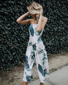 Get our Bahamas Jumpsuit before it's gone! We're obsessed with this ivory and green leaf printed one piece that's oh so classic and perfect for any tropical adventures you may encounter! The strapless