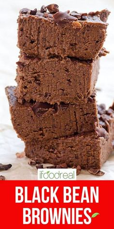 Easy Black Bean Brownies with no flour, no oil and no sugar. You can basically have these fudgy healthy brownies for breakfast. Healthy Potluck, Healthy Family Meals, Potluck Recipes, Healthy Breakfast Recipes, Healthy Baking, Dessert Recipes, Desserts, Eat Healthy, Healthy Brownies