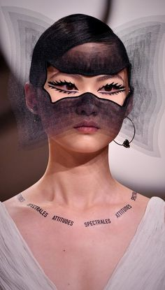 Paris Haute Couture never disappoints, from Chanel to Dior to Valentino. Don't miss the fine details that reveal the craftsmanship of the dresses and suits (plus some pretty fancy headgear) Eye Makeup Art, Makeup Inspo, Makeup Inspiration, Beauty Makeup, Hair Makeup, Makeup Geek, Makeup Ideas, Trend Board, Eyeliner