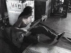Rare and unseen Deftones pictures. Old school pictures. Chi Cheng, Old School Pictures, John Frusciante, Inspirational Wallpapers, Good Music, Soundtrack, Cool Stuff, Musicians, Bands