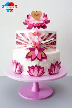 Interview Sebastien Laroche and Jonathan Ventura from Cake Révol - CakesDecor Indian Wedding Cakes, Amazing Wedding Cakes, Fondant Cakes, Cupcake Cakes, Cupcakes, Bolo Yoga, Pretty Cakes, Beautiful Cakes, Lotus Cake