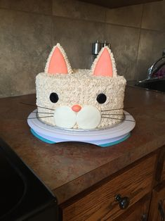 How to Make an Easy Cat Birthday Cake Cat birthday cakes