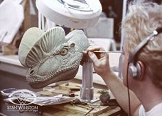Character Creator Shane Mahan sculpts ultra-fine skin texture onto the hero SWS dilophosaurus sculpture for JURASSIC PARK.