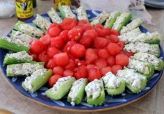 Refreshing watermelon and pineapple cream cheese stuffed celery for those summer cookouts. Finger Food Appetizers, Appetizer Recipes, Healthy Snacks, Healthy Eating, Veggie Tray, Fruits And Veggies, Vegetables, Creative Food, Summer Recipes