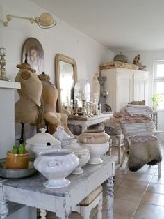 Cottage Farmhouse, Beautiful Space, Shabby Chic, Display Ideas, Loft, Inspiration, Decorating, Spring, Projects
