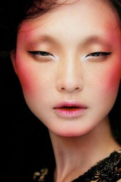 Makeup Asian Eyes Lashes Ideas Super creative makeup looks that many of us love. Make Up Looks, Beauty Make-up, Asian Beauty, Hidden Beauty, Geisha Make-up, Make Up Workshop, High Fashion Makeup, Runway Makeup, Asian Eyes