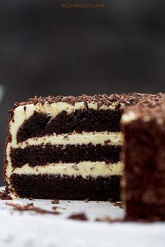 Advocaat and chocolate torte Polish Desserts, Polish Recipes, Cookie Desserts, Eggnog Cake, Cake Recipes, Dessert Recipes, Chocolate Torte, Holiday Cakes, Food Cakes