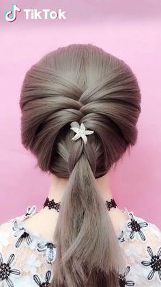 TikTok: funny short videos platform Tiktok Video Super easy to try a new - New Hair Styles Unique Hairstyles, Summer Hairstyles, Braided Hairstyles, Funny Hairstyles, Fashion Hairstyles, Drawing Hairstyles, Popular Hairstyles, Super Easy Hairstyles, Hairstyles Videos