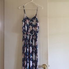 Lush maxi dress size medium Lush maxi dress size medium Lush Dresses Maxi