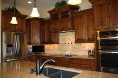 kitchen cabinets; aper, nice arrangement; kitchen-aid appliances