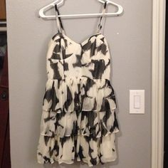 Layered Chiffon Dress ADORABLE Bustier Black & Creme Chiffon Dress! Size medium. Only worn once✨Trying to pay of student loans Forever 21 Dresses Mini