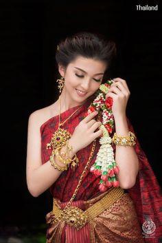 Thai wedding dress. ชุดไทยจักรี Credit: อัปสรานครเช่าชุดขอนแก่น. The national costume of Thailand. Thai traditional wedding dresses and new Thai modern style dresses. In Thailand especially for contemporary traditional wedding ceremony style. Thailand. #ชุดไทย #ชุดไทยจักรี #ชุดไทยพระราชนิยม #ชุดประจำชาติไทย #wedding #dresses #sbai #traditional #national #costume #modern #bride #silk #culture #hairstyle #makeup #jewelry #outfit #Siam #Alicio #Aliciothailand #Thailand Thai Wedding Dress, Wedding Dresses, Thailand National Costume, Costumes, Women, Bride Dresses, Bridal Gowns, Dress Up Clothes