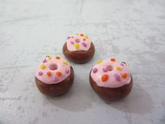 Cute Little Clay Doughnuts Chocolate Sprinkles, Clay Charms, Cute Food, Doughnuts, Charmed, Desserts, Tailgate Desserts, Deserts, Chocolate Chips