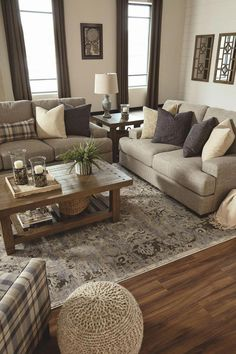 Cozy all white living room decor. - Cozy all white living room decor. Living Room White, Cozy Living Rooms, Living Room Interior, Home Living Room, Living Room Designs, Small Living, Country Living Rooms, How To Decorate Living Room, Rustic Family Rooms
