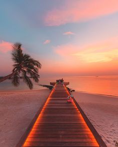 20 Most Beautiful Islands in the World - Travel Den Maldives - 20 Most Beautiful Islands in the World Sky Aesthetic, Travel Aesthetic, Wonderful Places, Beautiful Places, Beautiful Pictures, Beautiful Sunset, Aesthetic Backgrounds, Aesthetic Wallpapers, Vacation Places