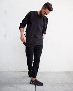 Addy from Hommes Equipe in Samsøe & Samsøe tee and Slade jeans. Stylish Mens Fashion, Gents Fashion, Minimal Fashion, Boy Fashion, Fashion Outfits, Minimal Style, Street Fashion, Keen Uneek, Casual Outfits