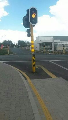 Only in South Africa! Cool Pictures, Funny Pictures, Funny Pics, African Memes, My Family History, Port Elizabeth, New South, African Culture, Cape Town