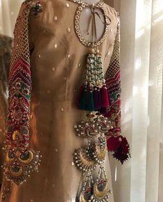 - Source by ferventness - Simple Pakistani Dresses, Pakistani Fashion Casual, Pakistani Dress Design, Fancy Dress Design, Stylish Dress Designs, Stylish Dresses, Desi Wedding Dresses, Pakistani Wedding Outfits, Bridal Outfits