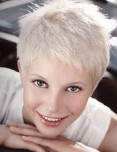 exemple coupe courte femme 50 ans cheveux gris cheveux