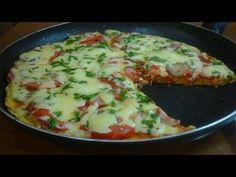 A pizza has crazed our entire family: Just pour on the .- A pizza has crazed our whole family: just pour in a pan and add the sky, pin the recipe on a chaldic! Italian Chicken Dishes, Chicken Recipes For Two, Queens Food, Pizza, Tasty, Yummy Food, Food And Drink, Favorite Recipes, Meat