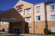 Located in St. Robert is a perfect starting point from which to explore St. The hotel has everything you need for a comfortable stay. Free Wi-Fi in all rooms, family room are there for guest's Fort Leonard Wood, Saint Robert, Fairfield Inn, Home And Away, Lodges, Hotel Offers, Guest Room, North America, Family Room