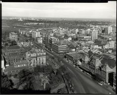 Aerial view of Spring Street, Melbourne, Victoria, 1957 Melbourne Cbd, Melbourne Victoria, Victoria Australia, Melbourne Australia, Windsor Hotel, Panoramic Photography, Historic Homes, Western Australia, Aerial View