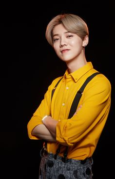 Luhan on Running Man China Baekhyun Chanyeol, Kris Wu, Kai, Kim Jongdae, Xiu Min, Chinese Boy, Running Man, Boy Bands, Actors & Actresses