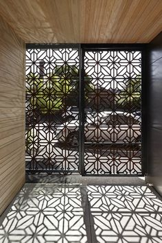 screen gate corten pattern