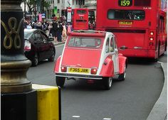 Citroen 2CV club • red and white Dolly in London