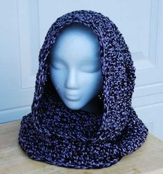 Crochet Hoods Crochet Hooded Cowl Pattern by Tabitha Eve Crochet Hooded Cowl, Knit Or Crochet, Crochet Scarves, Crochet Shawl, Crochet Crafts, Free Crochet, Crochet Granny, Double Crochet, Crochet Patron